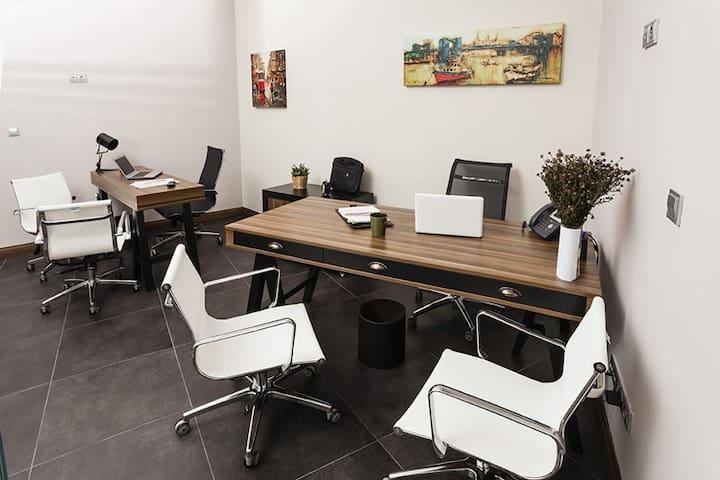 Home and office . Ofis ve ev ortamı bir arada. - Ümraniye - Huoneisto