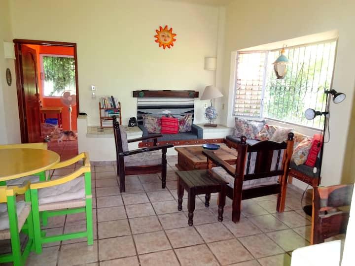 CASA NANAIMO, 2-BEDROOM APARTMENT SOL