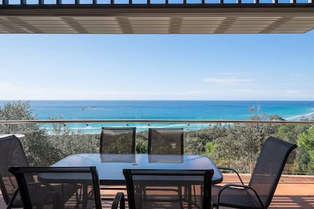 Pipi Palace Luxury Beach House - Point Lookout