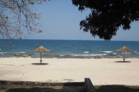 Idyllic & tranquil retreat on Lake Malawi.