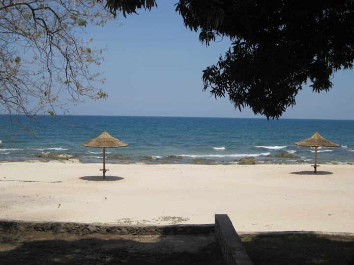 Idyllic & tranquil retreat on Lake Malawi.