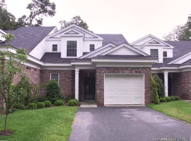 Pawley's Plantation Townhouse in gated community