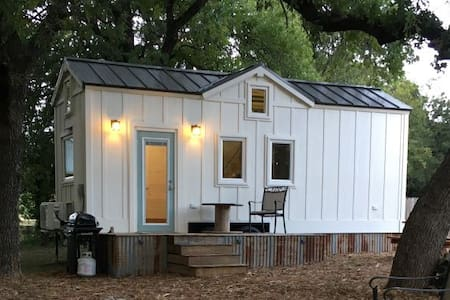 Farmhouse Tiny Home on working Texas Ranch