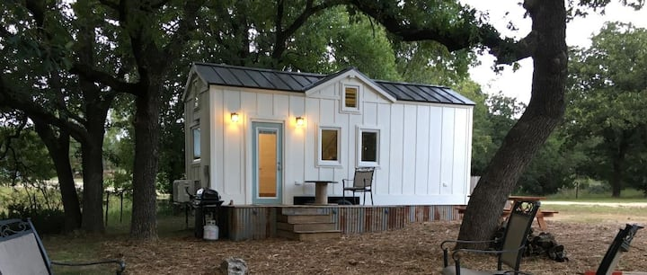 Farmhouse Tiny Home on working Texas Ranch