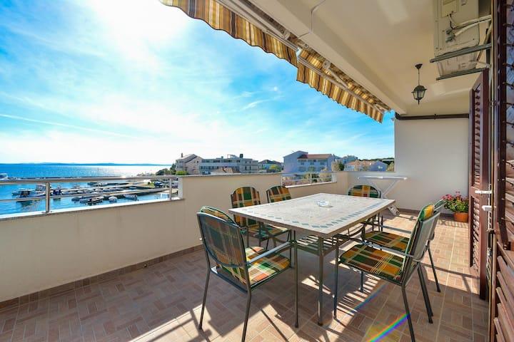 Big terrace/great view/Ivka Petrcane