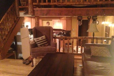 Ski In/Ski Out Cozy Apartment with Parking - Steamboat Springs