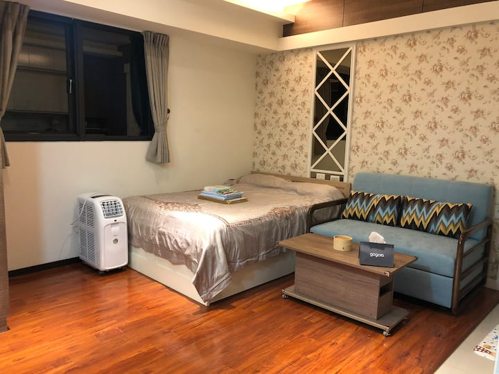Ximending MRT Cozy Apartment