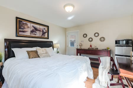 The OC Delight with a Private Entrance & Parking