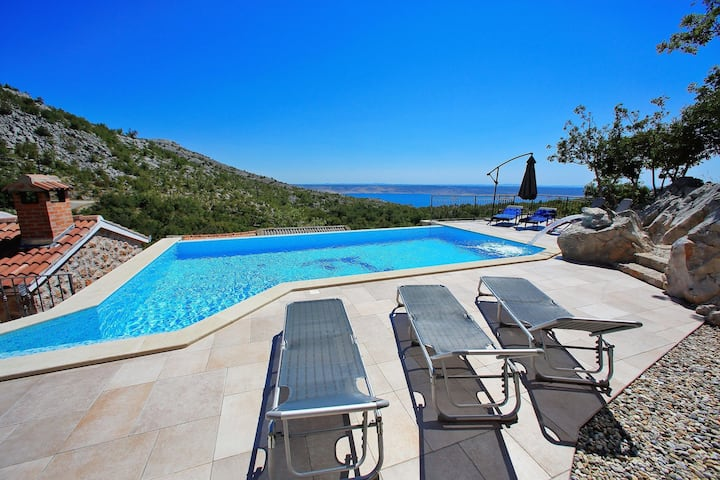 Lovely Holiday Home in Starigrad with Private Swimming Pool