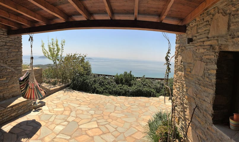 Philoxenia B, stunning sea view, perfect location - Kato Agios Petros - House