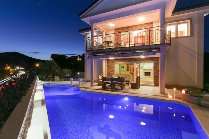 Villa Dragana - Poljica, villa with a private pool