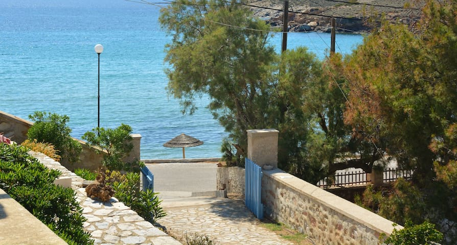 Almiriki Villa - Poseidonia - Hus