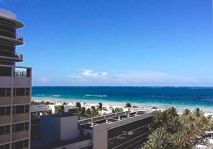 Beach-view Balcony 1 BR, Pool, Gym, 24hr doorman