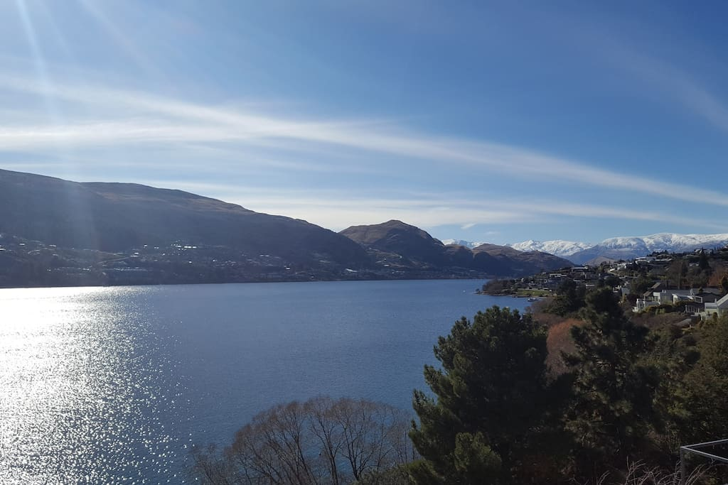 panoramic lake views and looking towards the Crown Range