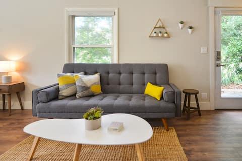 Modern Biltmore Village Guest Suite