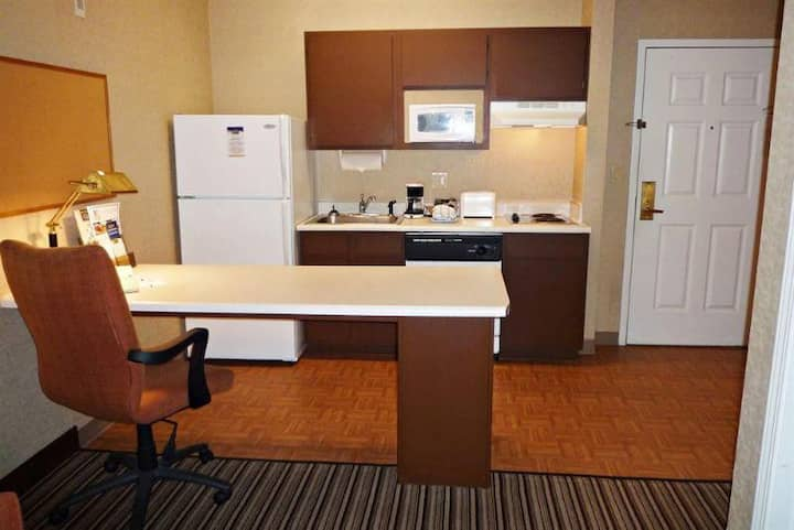 Swanky Suite One Bedroom At Charlotte Area