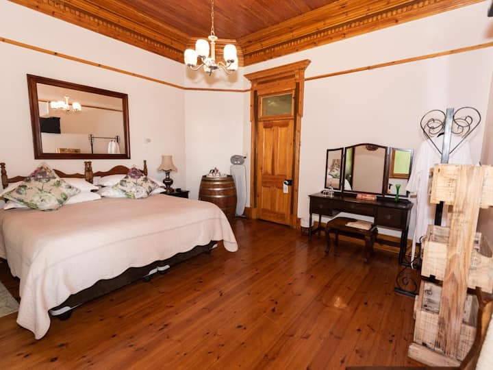 Presidents Boutique Lodge - Superior Rooms
