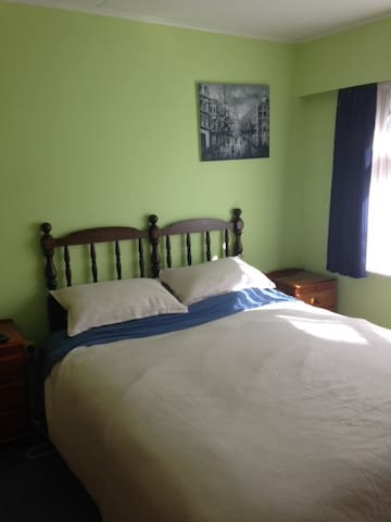 Large private room. King Bed. - Lower Hutt - Dom
