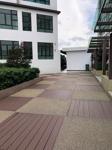 JB D Summit Residences 3 Bedrooms Fully Furnished