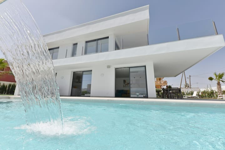 New-built villa first line beach with 4 bedrooms
