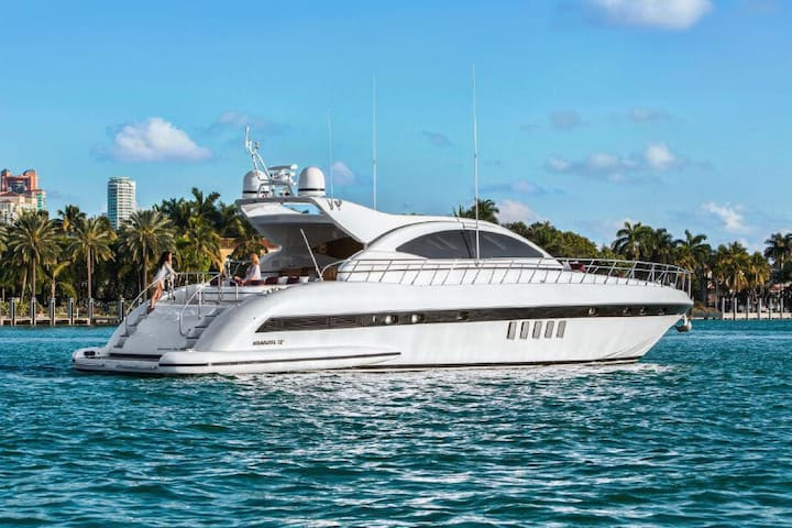 72' Mangusta 3br/3ba Luxury Yacht
