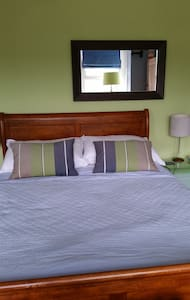 Period townhouse 5 mins walk to village & beaches - The Mumbles - Townhouse
