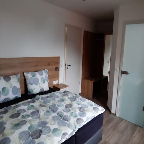 Gästezimmer Düll (Dettelbach), Doppelzimmer im Weingut