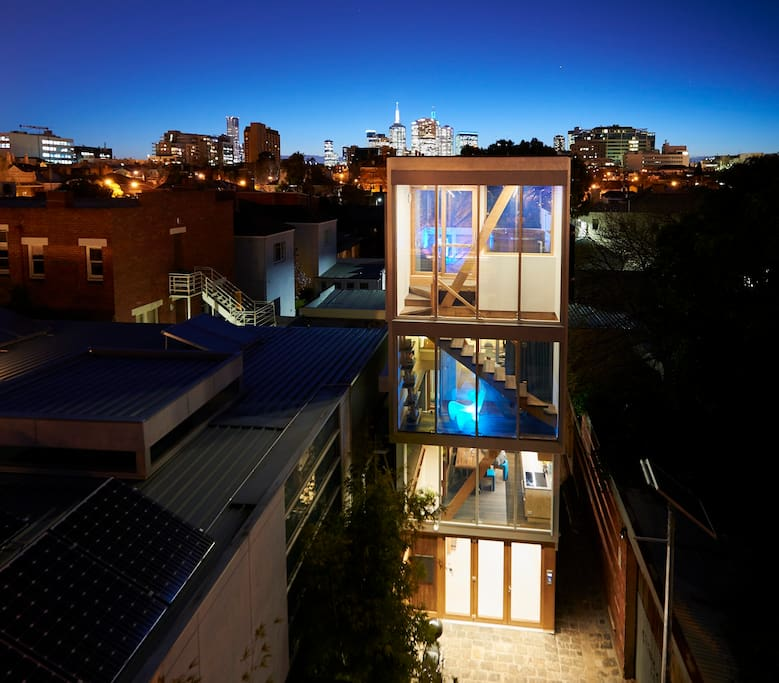 Grand Designs Presenter House: Grand Designs East Melbourne 5x4 Eco House