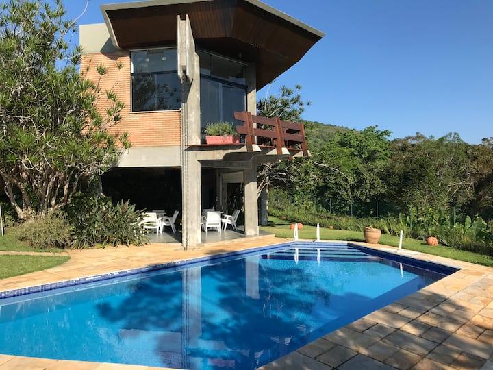 Casa da Pedra - com vista para o mar em Ubatuba