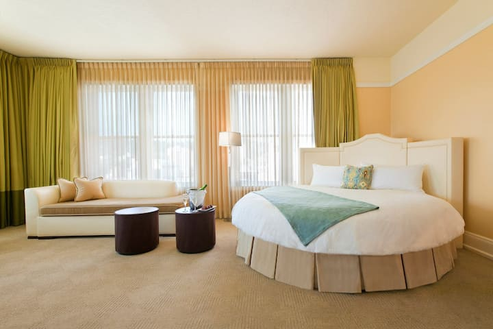 Hotel deLuxe, Marlene Dietrich Suite