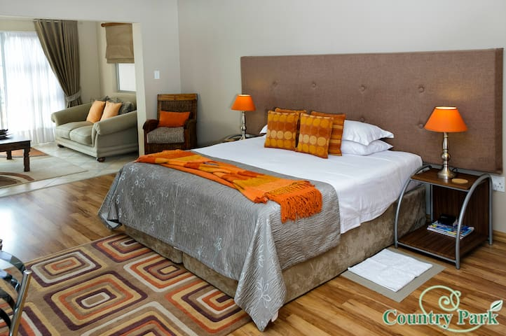 Country Park Guest House - Luxury Rooms - Johannesburg - Domek gościnny