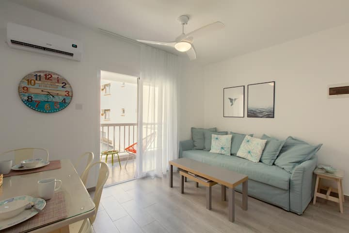Just for 2, 1 bedroom apt, WiFi