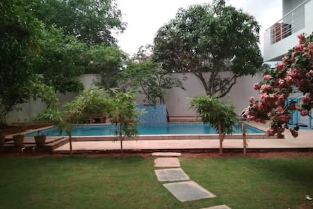 Villa 8485/R2 Garden & swimming pool