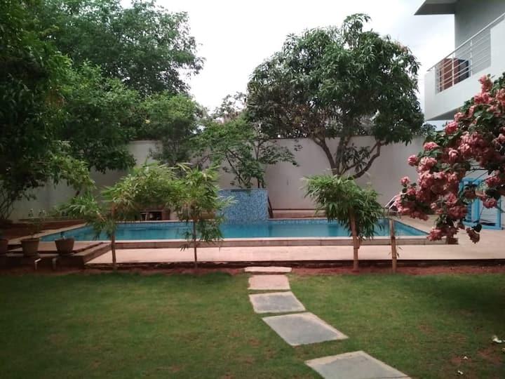 Villa 8485/R2 Garden & swimming pool