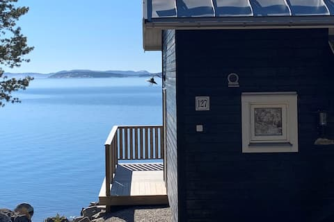 Sea front house in the heart of the High Coast