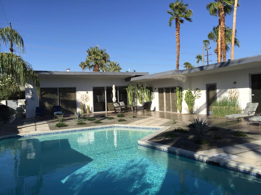 Private casita in mid century home houses for rent in for Palm springs homes rentals