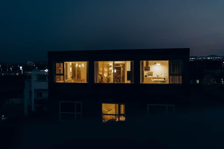 [오픈특가]바다가 펼쳐진 특별한 스위트룸 O-PEACE SUITE