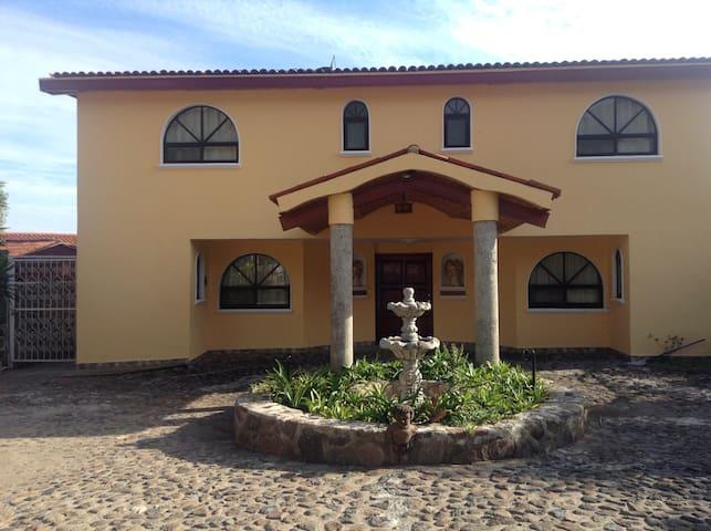 Las fuentes Casa pintoresca