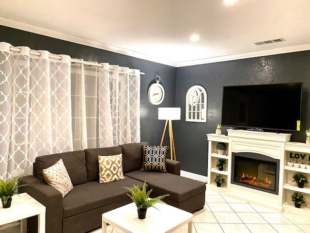 Near Disneyland/Convention Center with 4bedroom