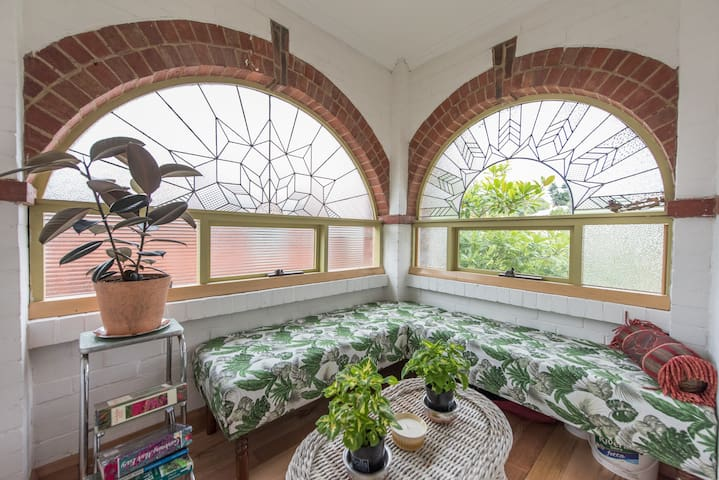 Eclectic Art Deco cottage in the heart of Hobart - West Hobart - Rumah