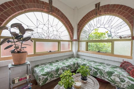Eclectic Art Deco cottage in the heart of Hobart - West Hobart - Maison