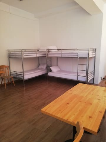 Hostel Valcea Room 4 Bunk Beds