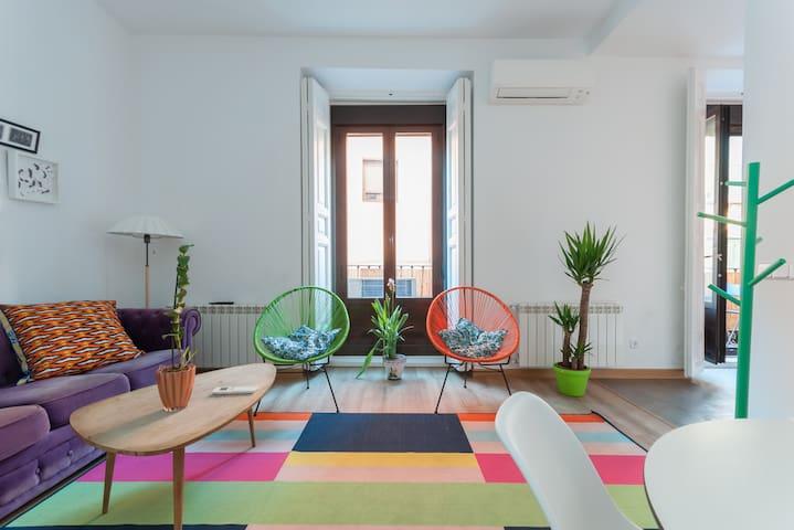 Colorful 2 Bedroom Flat Plaza Mayor