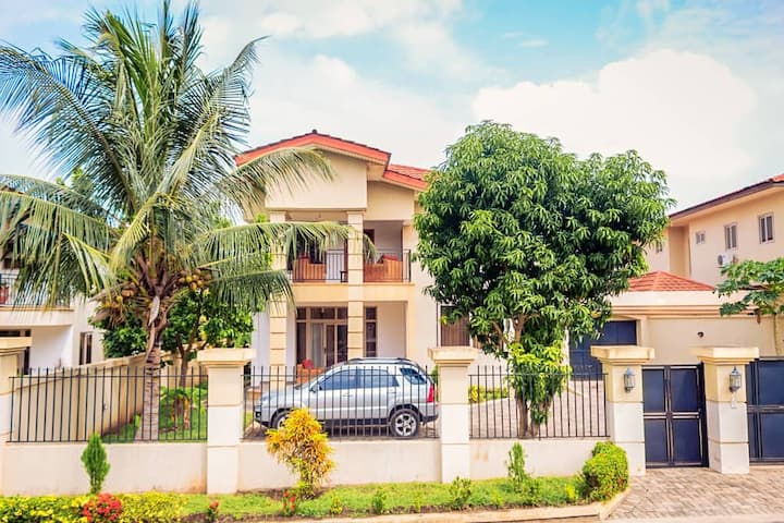 Serene Accra Getaway*Nr West Hills Mall* 3 Beaches