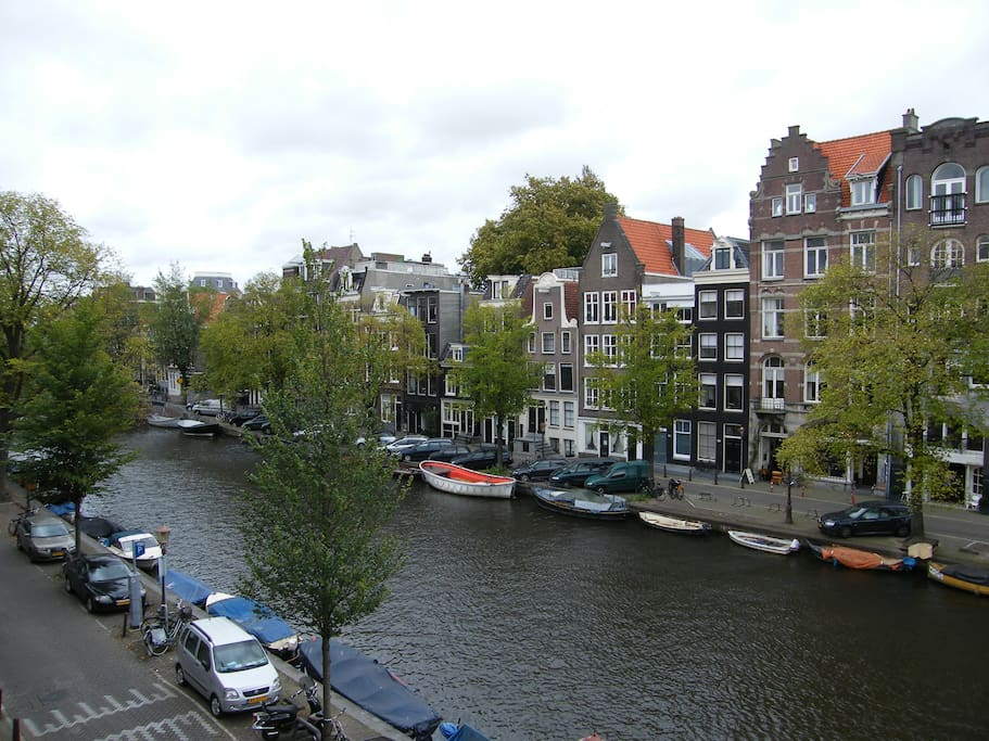 Stunning view canal downtown amsterdam appartamenti in for Appartamenti in affitto amsterdam