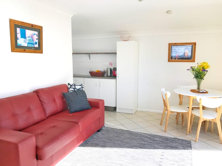 Great Unit 5min Walk To Town Centre