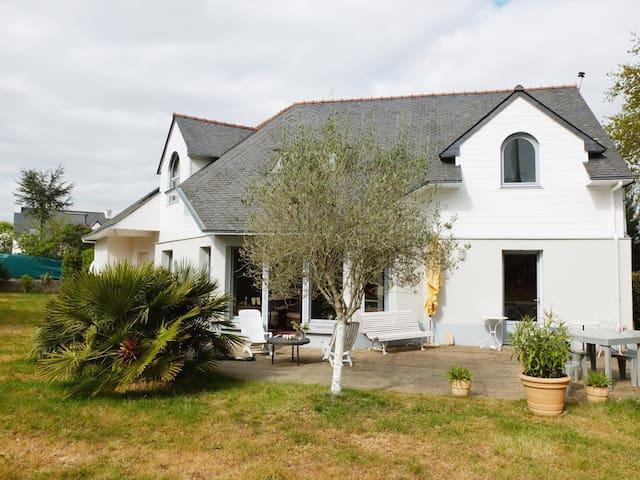 Grande maison lumineuse à proximité de la mer - Saint-Philibert - House
