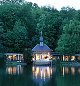 "lake of Genval : villa ""Guillaume Tell"""