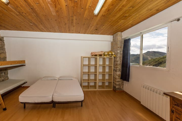 Alberg La Solana - B10 - Group/Family Room (6-8  adults) - Salàs de Pallars - Pis