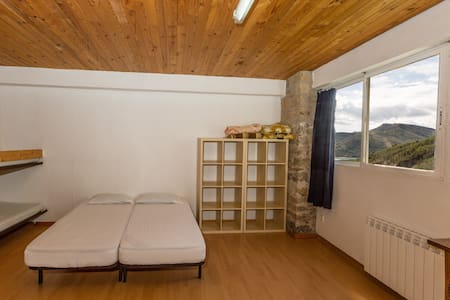 Alberg La Solana - B10 - Group/Family Room (6-8  adults) - Salàs de Pallars - Wohnung